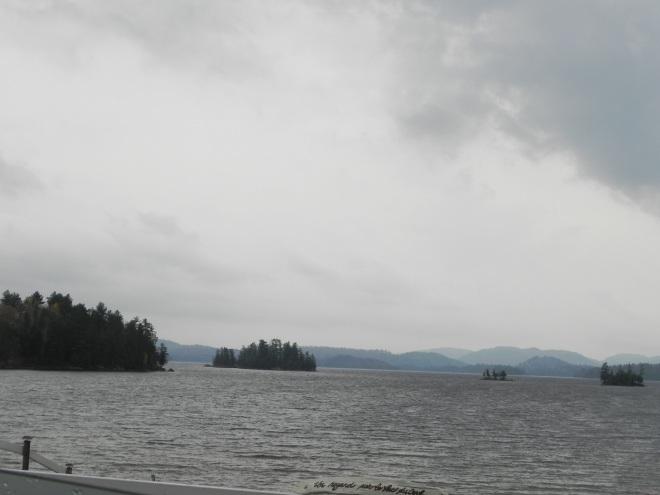 Un regard sur le lac du Cerf