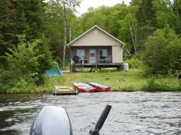 chalet bois Lac Minomaquam