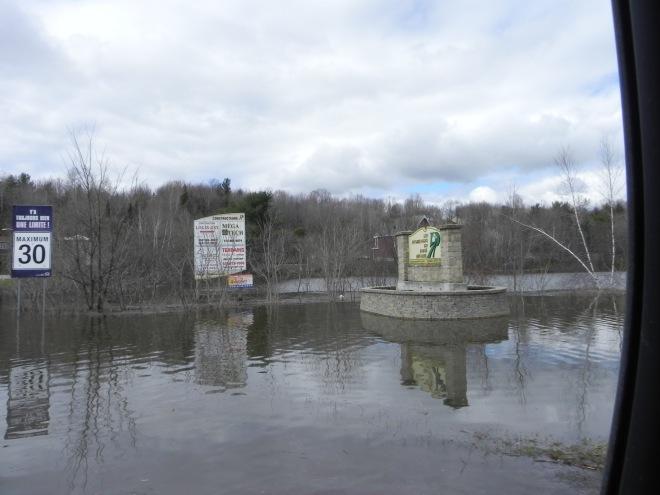 Lachute, innondations, eau 047